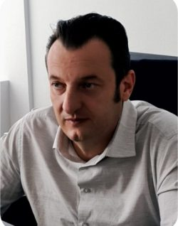 Robert Sabiniu Șerban